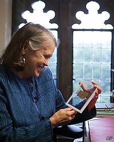 La historiadora Karen L. King presentó el fragmento en 2012 y tras dos años de análisis está muy convencida de su autenticidad.