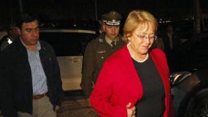 La presidenta de Chile visitó la zona del desastre.