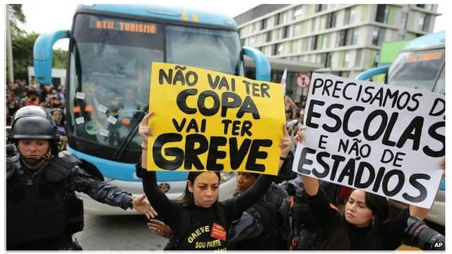 cerco de manifestantes al bus de la selección brasileña fue considerado una falla de seguridad