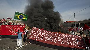 Los preparativos para el Mundial se han visto empañados por constantes protestas.