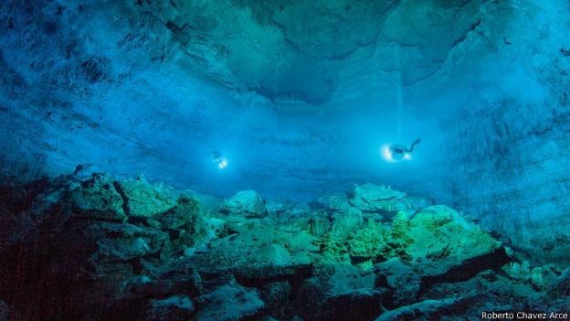 Los espeleólogos se maravillaron al encontrar la cámara subacuática en la que estaba Naia.
