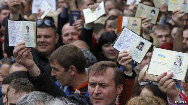 Miles de ucranianos también votaron en Moscú.