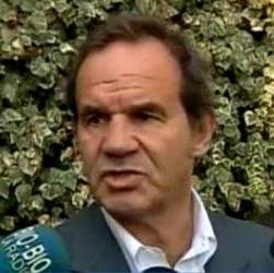 Allamand llama a ministro Eyzaguirre a pedir disculpas a los padres