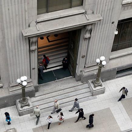 Inflación vuelve a dispararse en abril y plantea desafío para el Banco Central