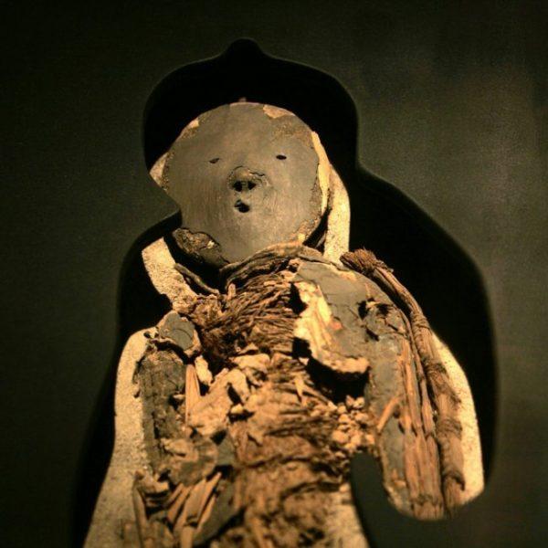 Estudiantes hallan restos de momia chinchorro de más de 7.000 años