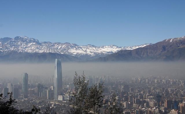 Disponen Alerta Ambiental Preventiva en Santiago y restricción a no catalíticos