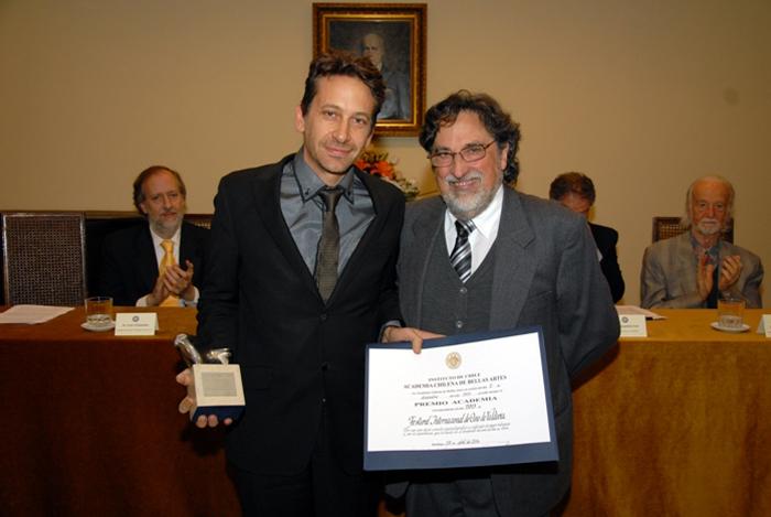 FICVALDIVIA recibe reconocimiento de la Academia Chilena de Bellas Artes