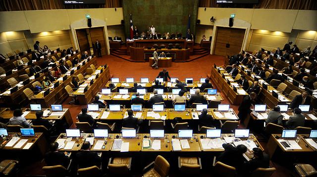 Reforma Tributaria: Cámara aprobó subida de impuestos al tabaco, bebidas alcohólicas y el diésel