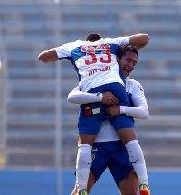Universidad Católica derrotó a Curicó Unido en el estreno por la Copa Chile 2014-2015