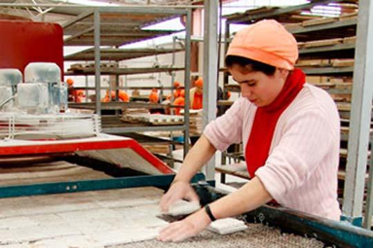 Informe del Banco Central reafirma los graves retrocesos que ha sufrido el empleo femenino producto de la crisis sanitaria