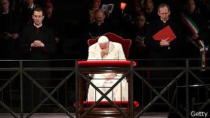 """El papa Francisco ha pedido perdón por los casos de abusos, la """"vergüenza"""" de la Iglesia."""