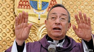 El cardenal Oscar Rodríguez no era partidario de entregar a los sacerdotes a las autoridades civiles.