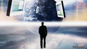 La tecnología nos da una oportunidad para reexaminarnos, según Chatfield.