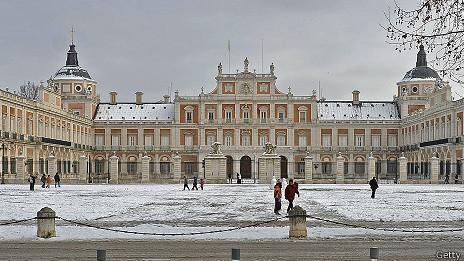 Fernando conspiró contra su padre, Carlos IV, cuando se encontraba en el palacio de Aranjuez.