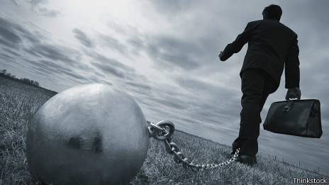 La deuda, sin embargo, puede convertirse en una carga muy pesada.