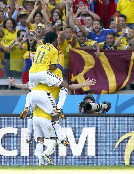 Colombia venció con claridad a Grecia en su debut en el Mundial 2014