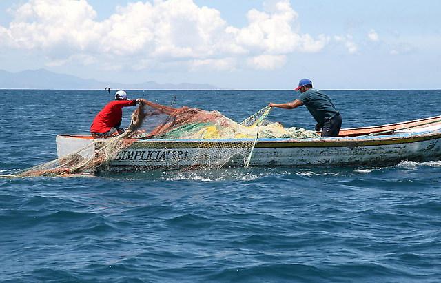 Pescadores de La Araucanía exigen cronograma de trabajo para revisión de Ley Longueira