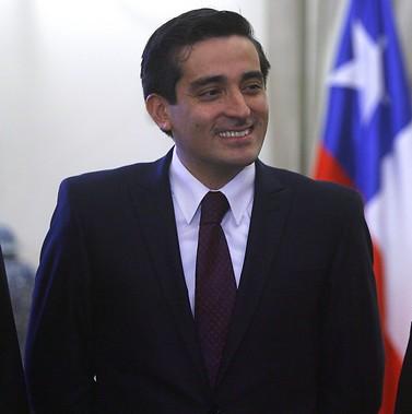 Peñailillo: el único ministro que cuenta con visto bueno de la Contraloría tras su nombramiento
