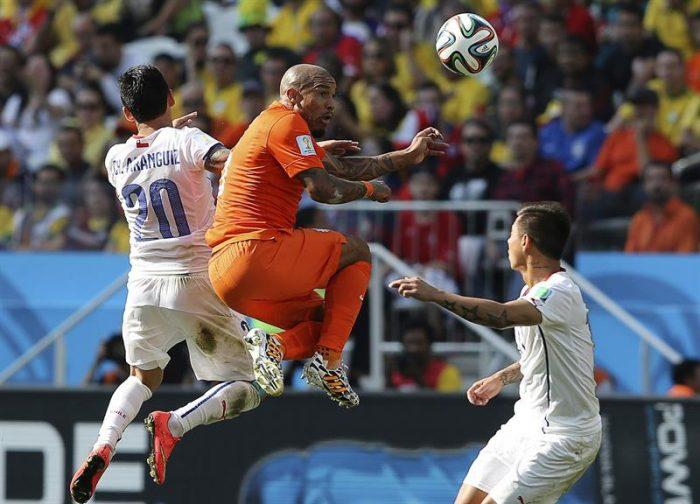Chile no puede con la estrategia de Van Gaal y se prepara para posible choque con Brasil en octavos