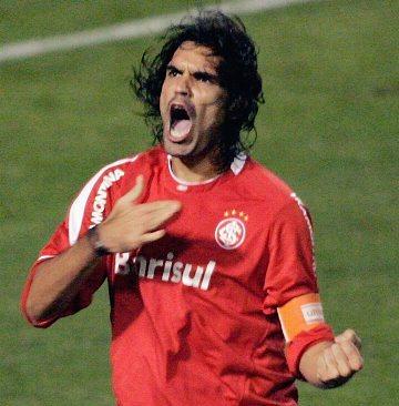 Muere en un accidente de helicóptero el ex futbolista brasileño Fernandao