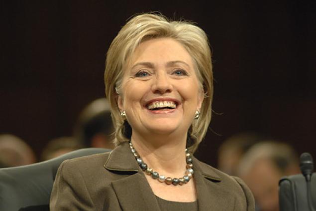 Hillary Clinton arranca la gira de promoción de su libro con aire electoral