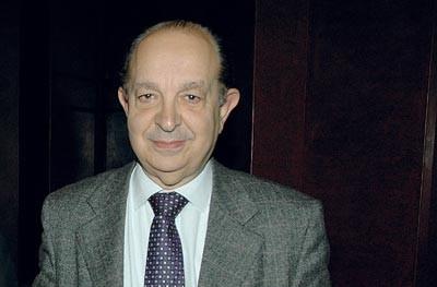 Inhabilitan candidatura de Roberto Nahum a reeleción como decano de Derecho de la U. de Chile