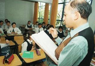 Educación: el que sabe, sabe, y el que no, es jefe
