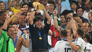Löw es el primer técnico desde Beckenbauer que levanta la Copa del Mundo para Alemania.