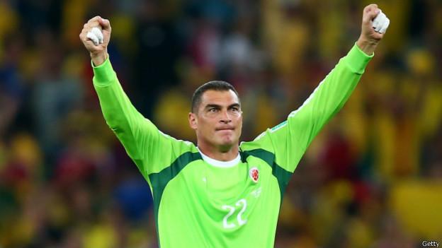 Con 43 años, el portero colombiano Faryd Mondragón superó al camerunés Roger Milla como el jugador de mayor edad en la historia de los mundiales.