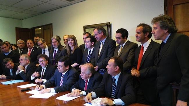 Gobierno y oposición reformulan proyecto de Reforma Tributaria y logran acuerdo transversal