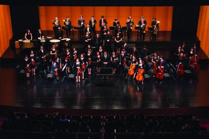 Orquesta intercultural juvenil de Panguipulli, dirigida por Alexander Sepúlveda