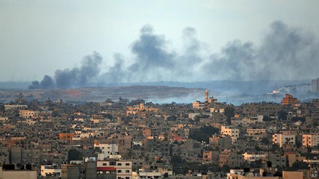 """La aviación israelí reanudó bombardeos tras la """"tregua humanitaria"""" de este jueves."""