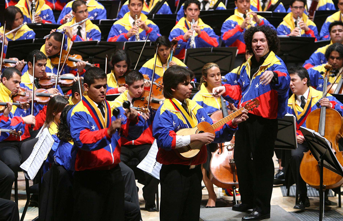 Orquesta Sinfónica de la Juventud Venezolana en un concierto afrecido al Papa Francisco I