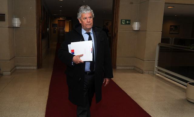 Comisión de Educación aprueba indicación que elimina lucro en las ATE pese a oposición de Eyzaguirre
