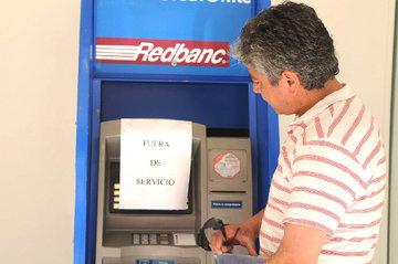 Sernac les raya la cancha a bancos y recuerda que cajeros automáticos deben contar con dinero en Fiestas Patrias