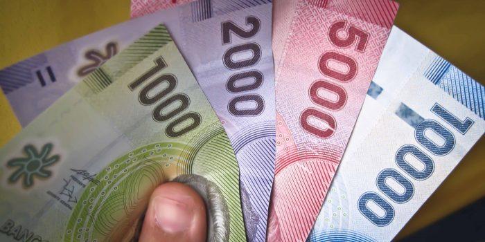 Bloomberg: pronosticar el fin de la caída del peso y el resto de las monedas latinoamericanas parece ahora una tarea inútil