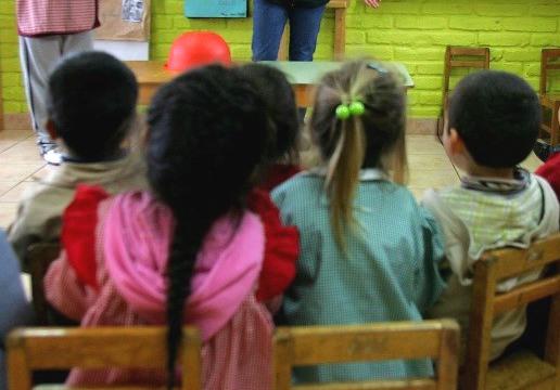 Trabajadores de jardines infantiles anuncian huelga nacional en rechazo al proyecto de Equidad Parvularia