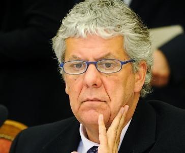 Eyzaguirre admite que en Presupuesto 2015 no se pusieron