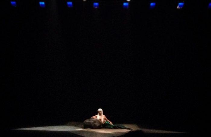 Obra de Muestra Nacional de Dramaturgia deslumbra por el uso de la voz y la ausencia del cuerpo en escena
