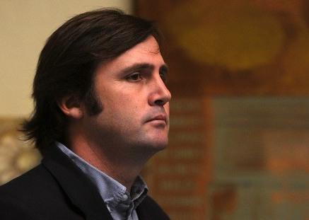 Browne critica al Senado por retraso en tramitación del AVP y pide a Allamand que