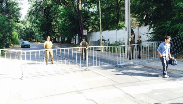 Protección policial en la casa de Carlos Larraín por miedo a