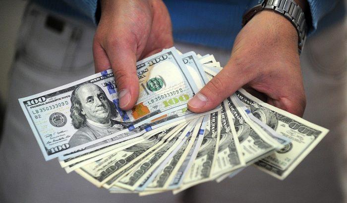 Dólar se dispara hasta los $675,5 presionado por datos en China y nueva caída del cobre