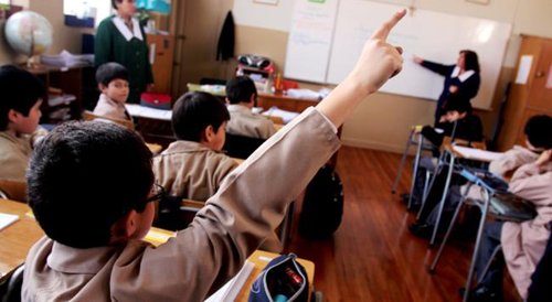 Colegios particulares ponen insólitas barreras clasistas de acceso como: peso, talla y tiempo de lactancia natural