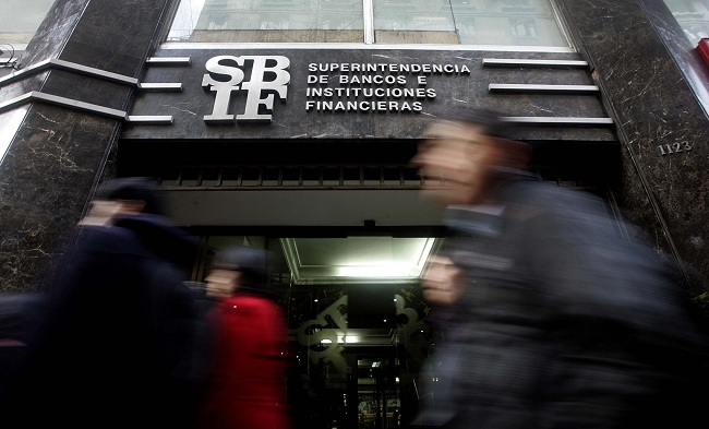 Deterioro fiscal pone bajo presión a banca chilena