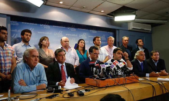 Tambalea estrategia de la UDI en Caso Penta y aumenta la presión por señales políticas