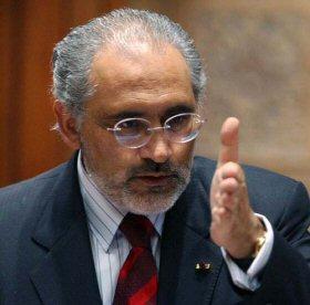 Carlos Mesa tildó de