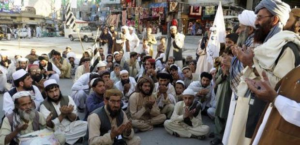 Latigazos y exorcismos, la cura fatal de los mulás afganos