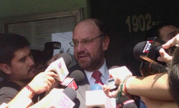 Ex canciller de Piñera visitó a Délano y Lavín en Capitán Yáber: