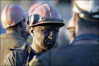Al menos 32 mineros mueren tras explosión en una mina de Donetsk, según Kiev