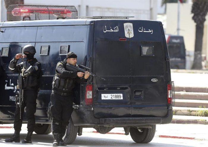 Ocho muertos, la mayoría turistas,  deja intento de asalto al Parlamento de Túnez